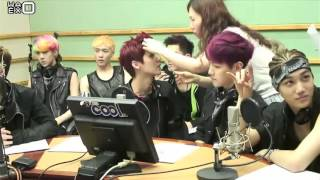 getlinkyoutube.com-[РУСС.САБ] 130530 EXO - SuKiRa @ Kiss The Radio
