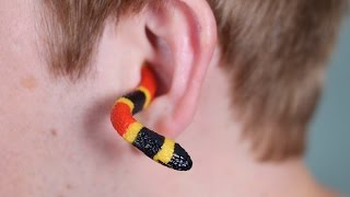 getlinkyoutube.com-SNAKE IN EAR!
