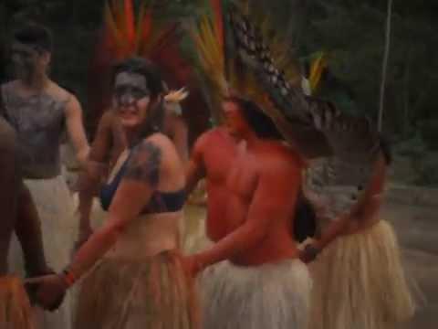 Festa na aldeia de indios na amazônia