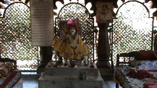 getlinkyoutube.com-Lala Hardol Temple-Orchha