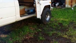 Cammed 1986 Jeep J-10 AMC 360 (Open Headers)