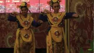 getlinkyoutube.com-Tari Renggong Manis (Betawi)
