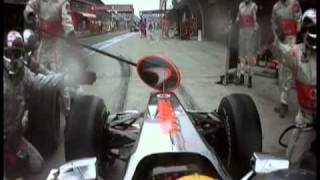 getlinkyoutube.com-Hamilton and Vettel race in pits