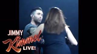 getlinkyoutube.com-Adam Levine Accidentally Threw A Mic In A Fan's Face