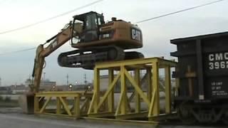 getlinkyoutube.com-Maniobras en una Excavadora 319D - CAT