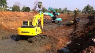 getlinkyoutube.com-Komatsu Excavator pc 200-8 ลอกคลอง by suttana immortal man