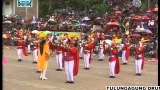 getlinkyoutube.com-Drum Band Empero New Simphony (SMPN 2 Tulungagung)