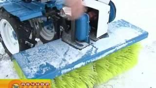 getlinkyoutube.com-Борьба со снегом при помощи мотоблока НЕВА