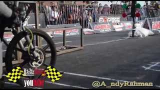 getlinkyoutube.com-Seru!!! Duel Eko kodok vs dwi batank di AHRS Indonesia Drag bike Championship Series Bantul