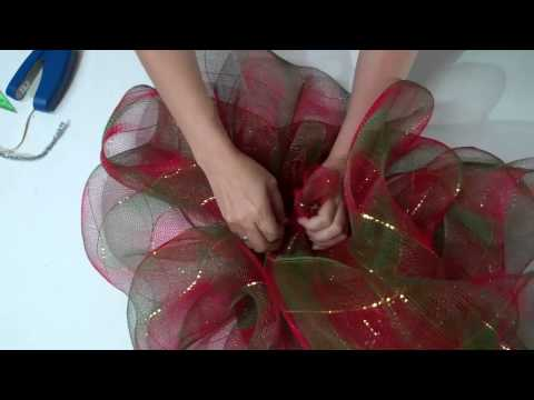 Como hacer moños de tull = How to make tulle bows