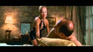 SCENE CULT: Verdone alle prese con una prostituta un po' molesta.
