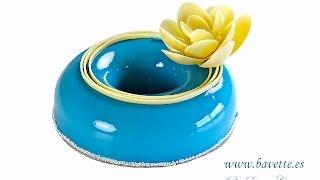 getlinkyoutube.com-Bavaroise de caramelo y chocolate, con plátano y glaseado espejo azul