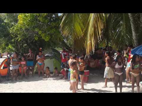 Tambores venezolanos en Morrocoy enero 2014