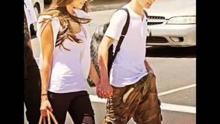 getlinkyoutube.com-Justin Bieber and Selena Gomez ♥