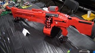 getlinkyoutube.com-LEGO Halo and Destiny weapons – Brickworld Chicago 2015
