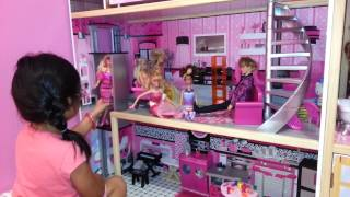 getlinkyoutube.com-Yali mostrando su casa de barbie