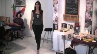 getlinkyoutube.com-Cómo caminar con tacones y verse sexy- Anastassia Sfeir
