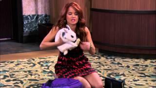 getlinkyoutube.com-Somebunny's In Trouble - Clip - JESSIE - Disney Channel Official