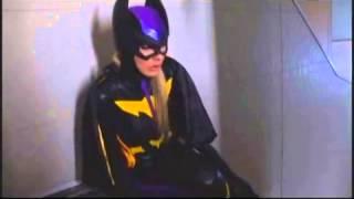 getlinkyoutube.com-Batgirl: Shot and Unmasked!