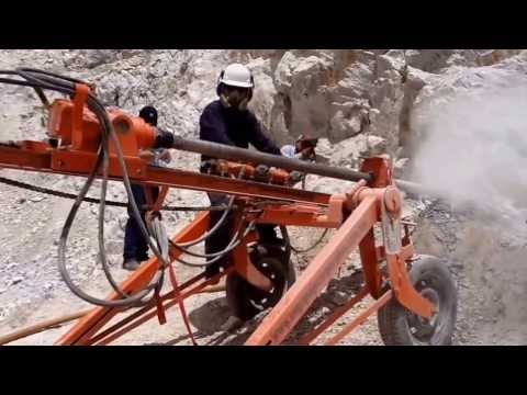 Perforación con Máquina Stenuick en Mina a Cielo Abierto