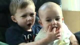 getlinkyoutube.com-Top 10 bebes riendose a carcajadas