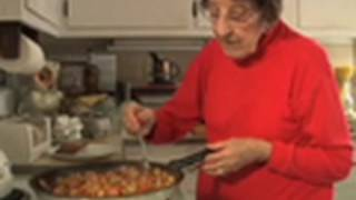getlinkyoutube.com-Great Depression Cooking - The Poorman's Meal