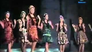 getlinkyoutube.com-YouTube - رقصة الكرمبة-فرقة رضا-من فيلم غرام في الكرنك.flv