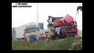 getlinkyoutube.com-MB. Actros MP4 - Crash On The Road (Part 2)