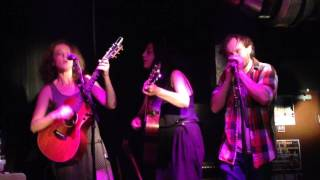 getlinkyoutube.com-Georgie Fisher, Laura Guidi, Michael Brinkworth rock Artliners on July 9th 2016