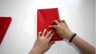 getlinkyoutube.com-箱の包み方(1)斜め包み「五味栄里のラッピング講座」