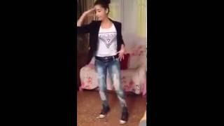 getlinkyoutube.com-بنت قصر الشلالة ترقص  الوااي  واي