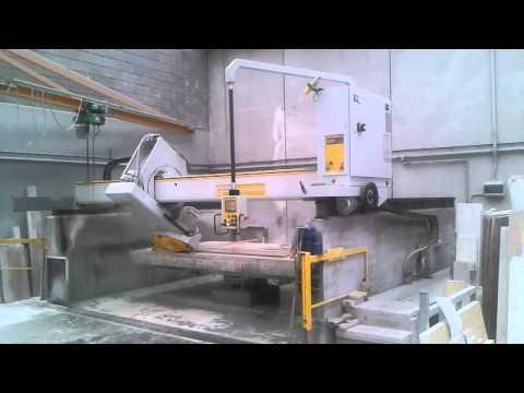 Visualizza il Video Realizzazione di tagli inclinati con Fresa contornatrice GMM | Prodotti in Marmo | Sicilia