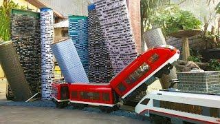 getlinkyoutube.com-Lego train wreck. Crooks stole the tracks