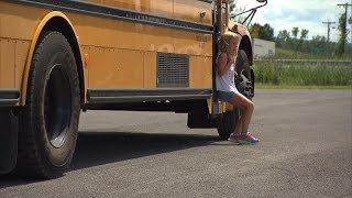 getlinkyoutube.com-6-Year-Old Girl Has Pants Shredded After School Bus Drags Her Almost a Mile