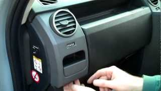 How to remove the dash end panels on Land Rover Discovery 3 /