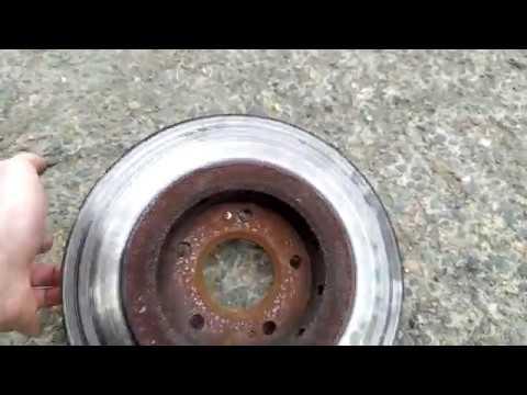 Как заменить передние тормозные диски и колодки Mitsubishi Outlander XL