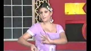 getlinkyoutube.com-Desi Mujra (Pendi AAy Barsaat way)