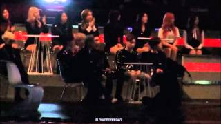 getlinkyoutube.com-151202 MAMA - GOT7 reaction to HYUNA performance