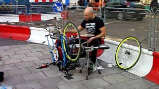 getlinkyoutube.com-Fantastic Street Drummer on Homemade Racing Bike