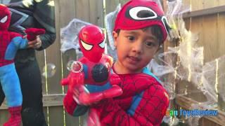 getlinkyoutube.com-GIANT EGG SURPRISE OPENING SPIDERMAN Superheroes toys Spiderman vs Venom Kinder Egg Power Wheels