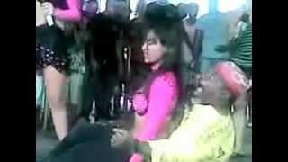 getlinkyoutube.com-Surra de Bunda com Velhinho