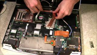 getlinkyoutube.com-Alienware M17X R2 CPU upgrade from i5 Dual Core to i7 Quad Core engineering sample