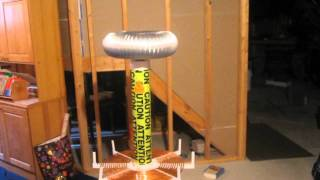 getlinkyoutube.com-My First Tesla Coil --- amazed with results (15kv 60ma)