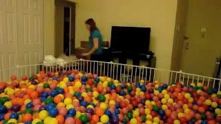 getlinkyoutube.com-How to build a ball pit in your living room
