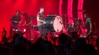 getlinkyoutube.com-Imagine Dragons - Radioactive Extended - Live