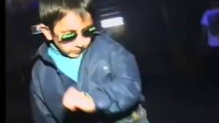 getlinkyoutube.com-Russian kid dancing  at club can't be bothered. 1997.