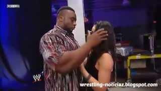 getlinkyoutube.com-AJ Lee y Big E Langston a punto de besarse en SmackDown