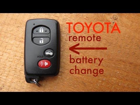 Где находится аккумулятор в Toyota Витц