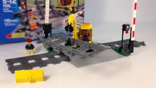 getlinkyoutube.com-LEGO City TRAIN 7936 Level Crossing from 2010