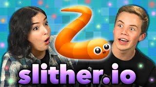 getlinkyoutube.com-SLITHER.IO (Teens React: GAMING)